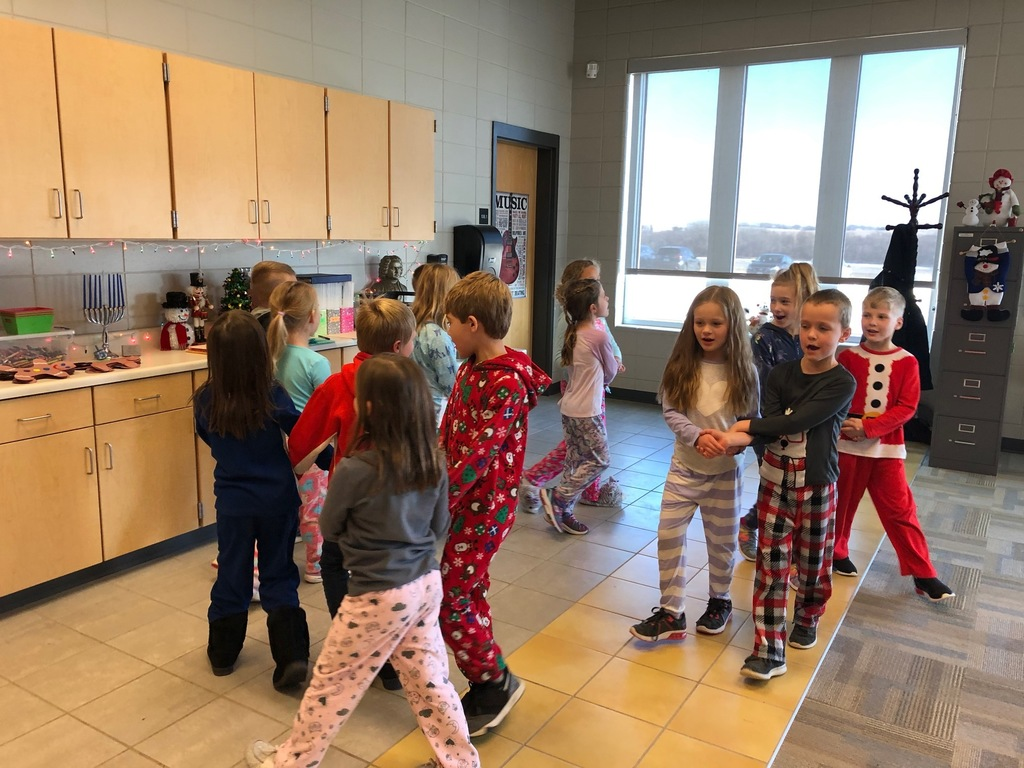 1st graders dancing to Jingle Bells